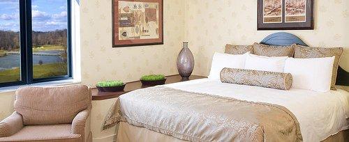 Dorral Arrowwood Room