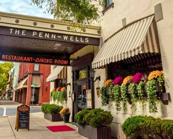 hotel-exterior-penn-wells-wellsboro-autumn