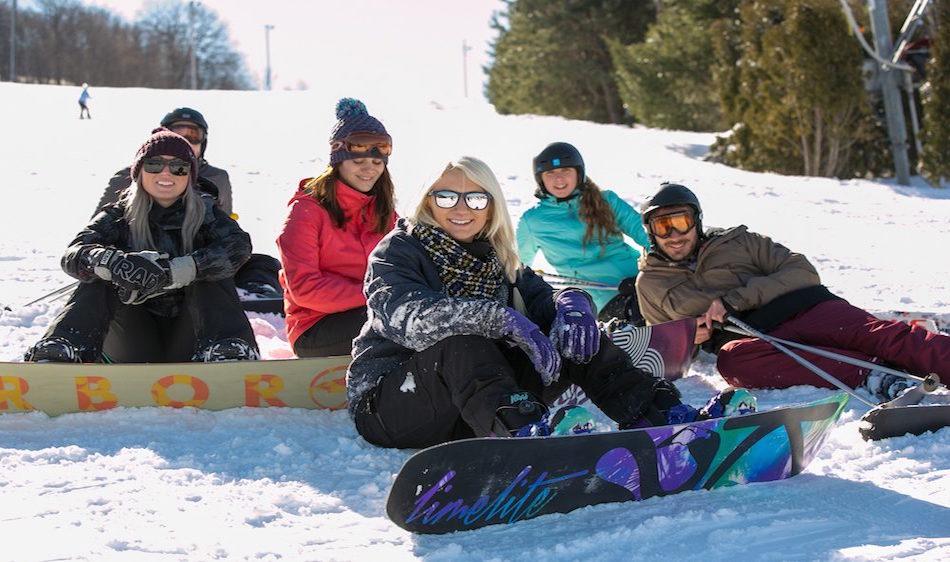 Skiing-at-Camelback-in-the-Poconos-e1487030438182