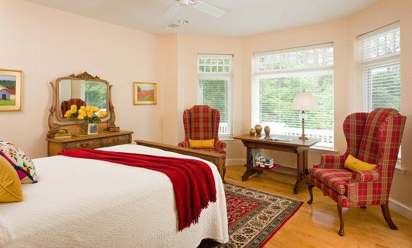 Woodley guest room