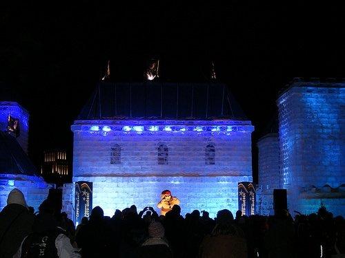 Bonhomme on stage