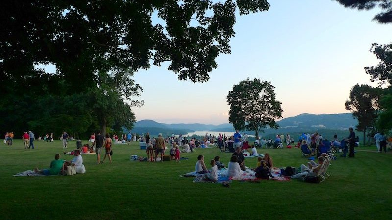 picnic at boscobel mansion