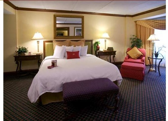crowne plaza suite