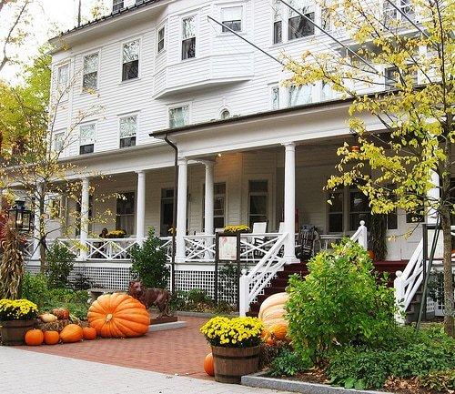 fall foliage getaways. Black Bedroom Furniture Sets. Home Design Ideas