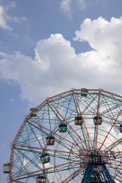 how to get to coney island by bus