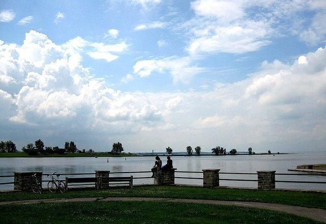Biking through parc rene levesque