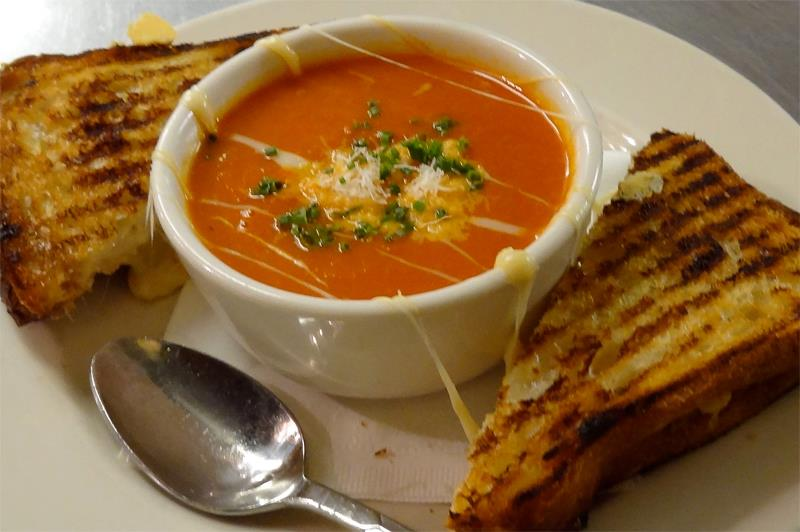 Grilled cheese w/ tomato fennel soup
