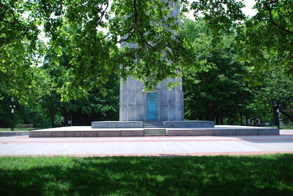 Fort Greene monument