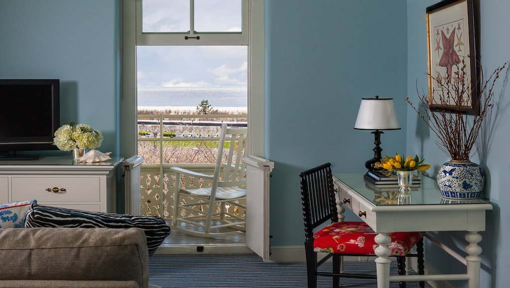 congress-hall-junior-suite-balcony-looking-out-to-the-ocean-2