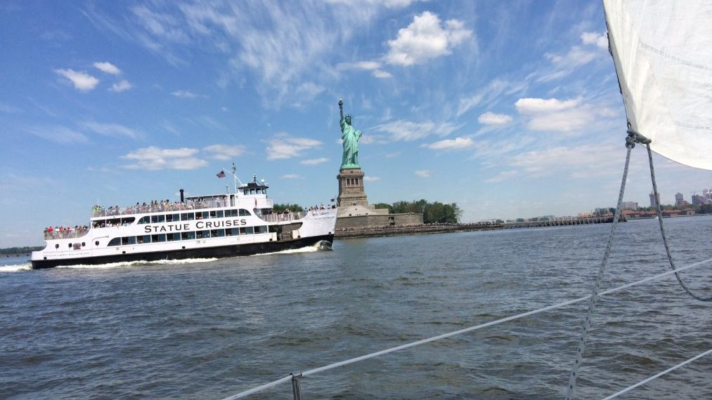Sailing in Manhattan with view of statue of liberty