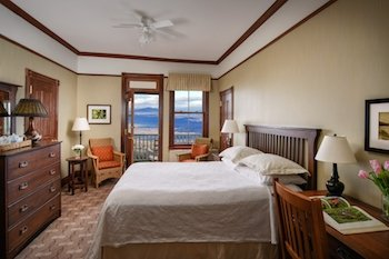 Classic guest room-Mohonk