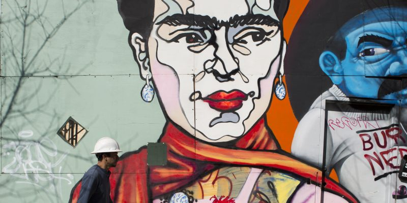 starr street art project mural of frida kahlo in bushwick