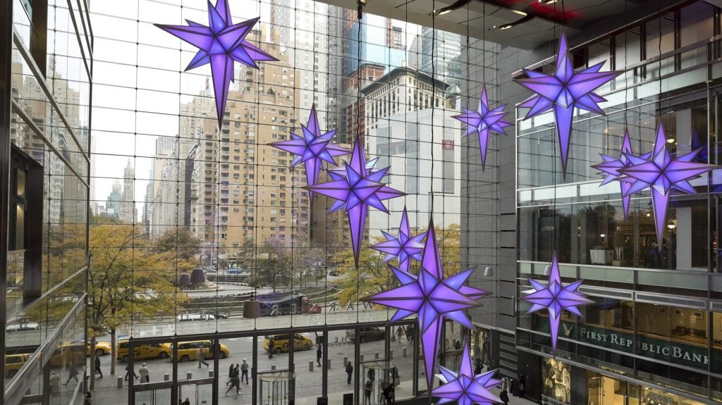 https://offmetro.com/ny/wp-content/uploads/2018/11/Broadway-Under-the-Stars_The-Shops-at-Columbus-Circle-8-e1541423872470.jpg