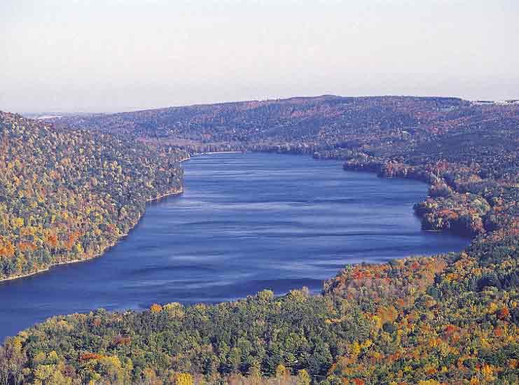 Skaneateles lake finger lakes