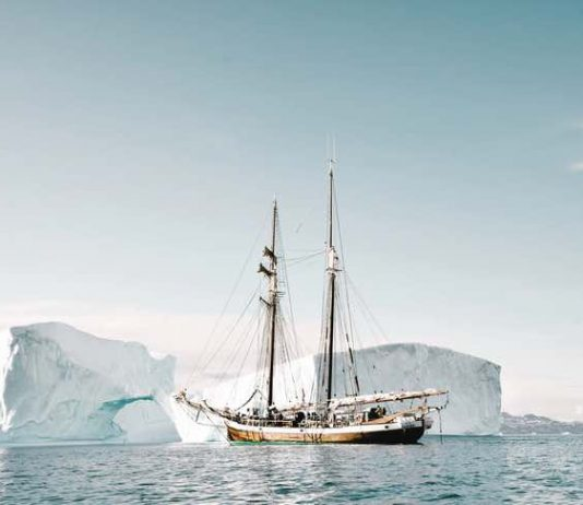 what to do on arctic tours